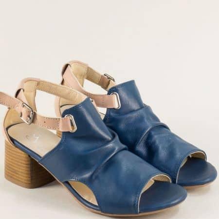 Кожени дамски сандали на среден ток в синьо и бежово gi202s