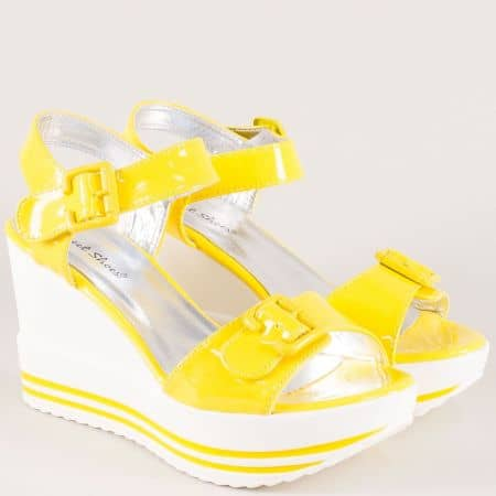Лачени дамски сандали в жълт цвят на висока платформа gm06lj