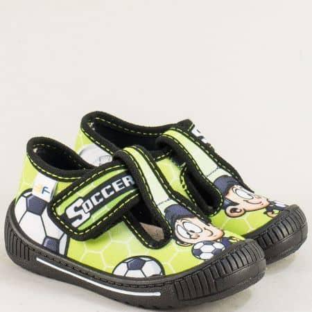 Детски пантофи в зелен цвят с лепка- MONETA heroes7
