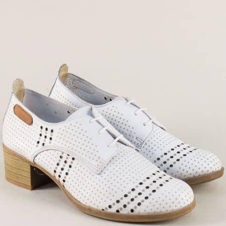 Бели дамски обувки на нисък ток с кожена стелка irma1136b
