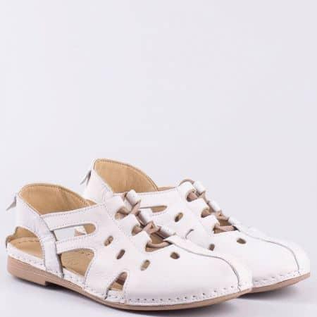 Бели дамски сандали на равно ходило с ластични връзки k1138b