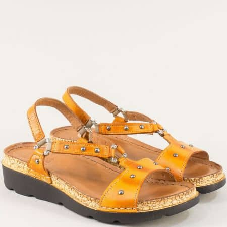 Оранжеви дамски сандали с кожена стелка и ластик k1243o