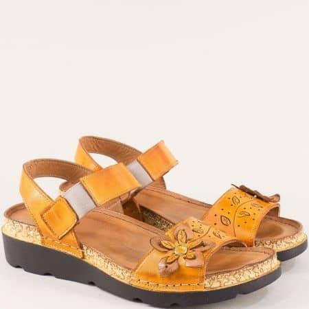Ортопедични дамски сандали в оранжев цвят от кожа k1246o