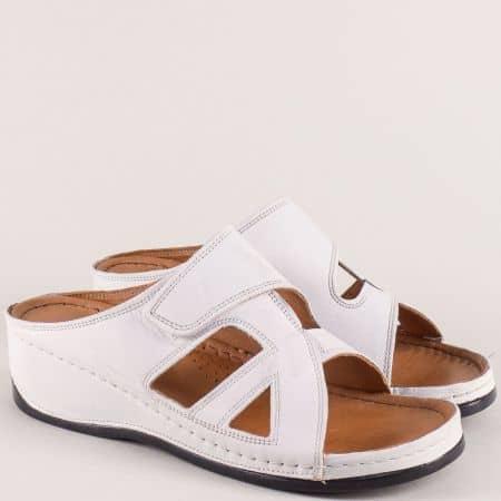 Бели дамски чехли на шито ходило с кожена стелка k178b