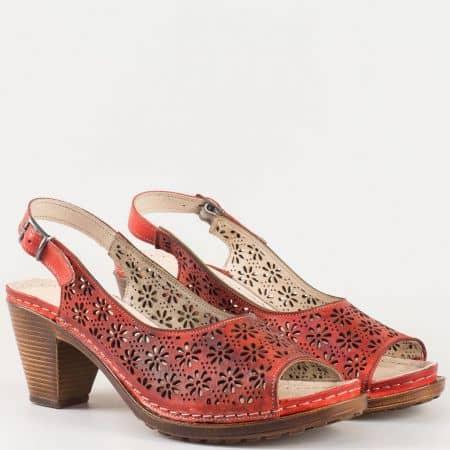 Червени дамски сандали с кожена стелка и перфорация k1877chv