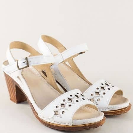 Бели дамски сандали на платформа и висок ток k1878b