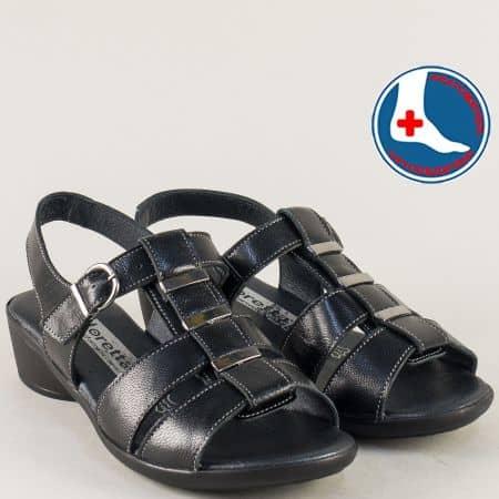 Кожени дамски обувки в черен цвят на нисък ток- Loretta l5584ch