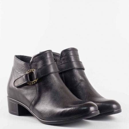Дамски боти от естествена кожа с коланче в черен цвят на марката Loretta  l5707ch