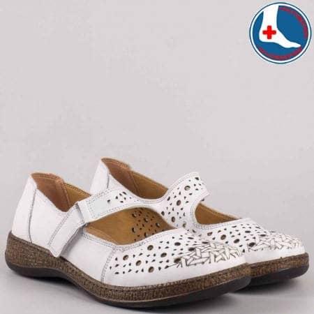 Ортопедични дамски обувки с велкро лепенка от перфорирана естествена кожа в бяло-loretta l5746b