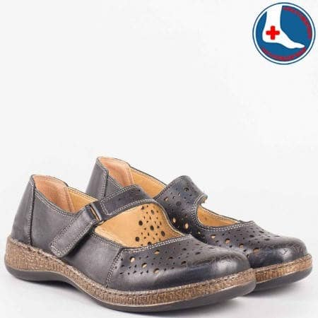 Перфорирани дамски обувки с лепка и ортопедична стелка- Loretta от черна естествена кожа  l5746ch