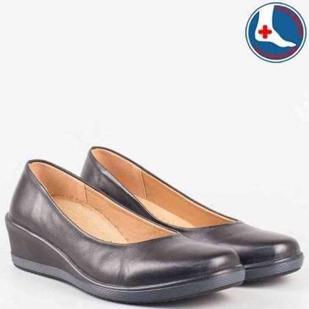 Дамски ортопедични обувки на клин ходило с вградена Flex- Comfort система от черна естествена кожа- loretta  l5786ch
