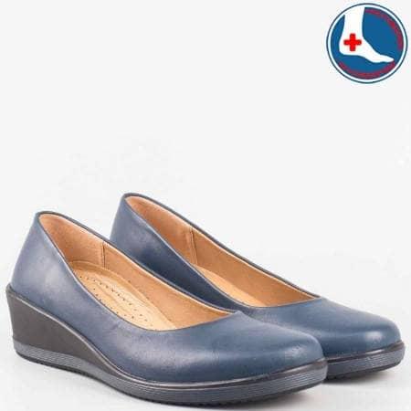 Сини ортопедични дамски обувки на клин ходило с вградена Flex- Comfort система от синя естествена кожа- loretta  l5786s
