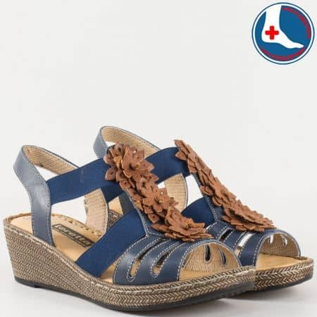 Дамски ежедневни сандали на шито клин ходило с кожена ортопедична стелка- Loretta от естествена кожа в син цвят l5810s