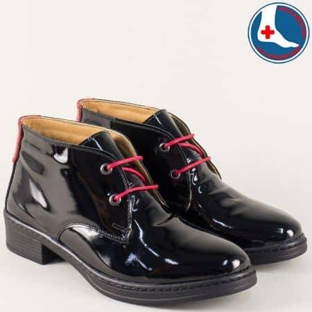 Дамски ежедневни боти със сая от естествен лак на удобно ходило в черен цвят l5811lch