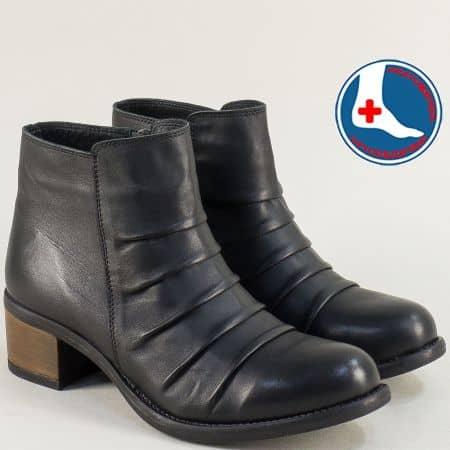 Кожени дамски боти на среден ток в черен цвят- LORETTA l6467ch