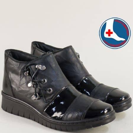 Черни дамски боти от естествен лак и кожа- LORETTA l6550ch