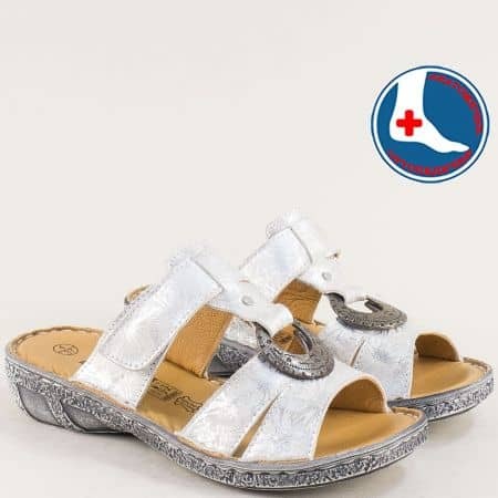 Сребристи дамски чехли от естествена кожа- LORETTA l6574sr