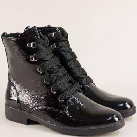 Дамски боти на нисък ток от естествен лак в черен цвят lois01lch