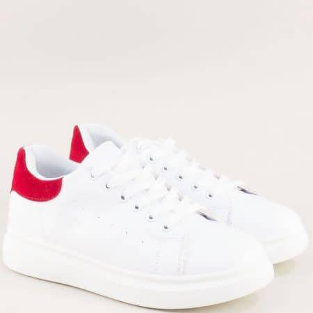 Дамски маратонки в червено и бяло на платформа ly56bchv