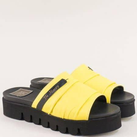 Жълти дамски чехли от естествена кожа на платформа  m029j