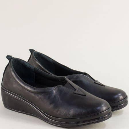 Кожени дамски обувки в черен цвят на клин ходило  m067ch