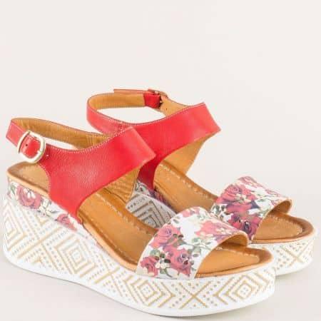 Дамски сандали с расив флорален принт в червен цвят m09chv