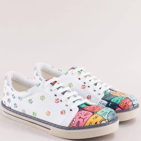 Дамски бели обувки на равна платформа me101b