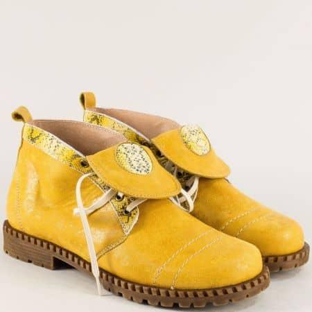Жъллти дамски боти от естествена кожа с грайфер m1027j