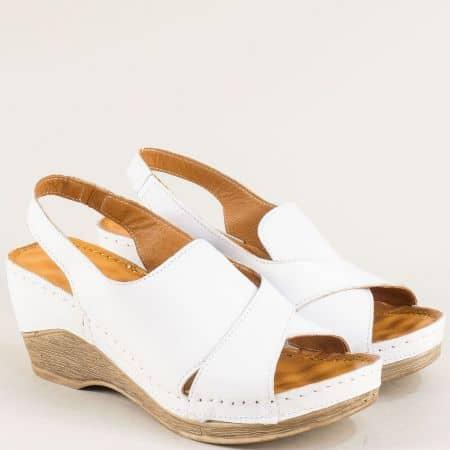 Бели дамски сандали с масажираща кожена стелка m108b