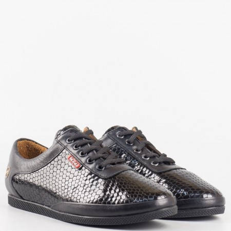 Дамски ежедневни обувки изработени изцяло от естествена кожа с кроко принт в черен цвят m109zch