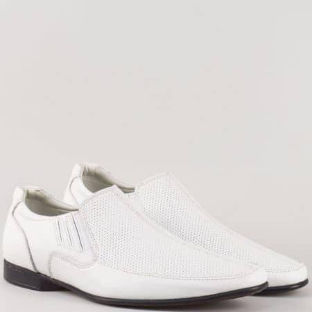 Мъжки елегантни обувки с два ластика от висококачествена естествена кожа с перфорация в бял цвят  m112db
