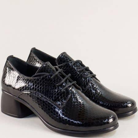 Дамски обувки от черен лак на среден ток m138krlch