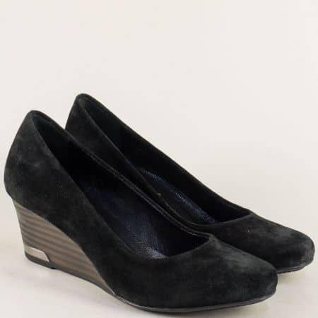Черни дамски обувки от естествен велур на клин ходило m1604vch