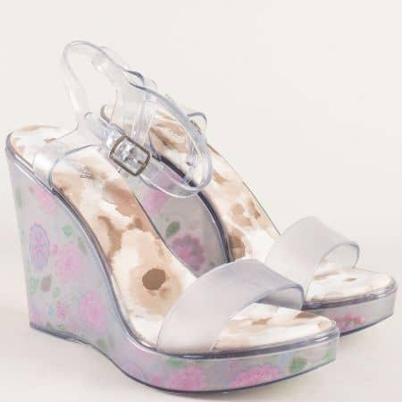 Бели дамски сандали на платформа с флорален принт m1608b