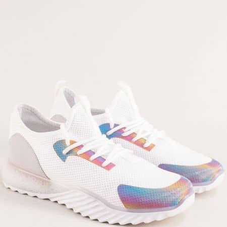 Спортни дамски обувки с връзки и удобно ходило в бяло m1650b
