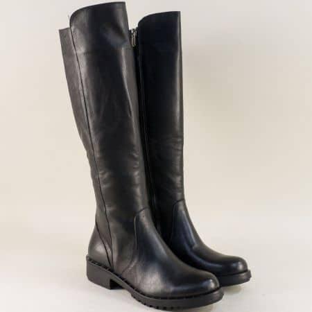 Кожени дамски ботуши в черен цвят на нисък ток  m1800ch