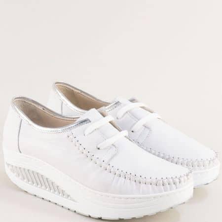 Комфортни дамски обувки от естествена кожас връзки в бяло m2001b