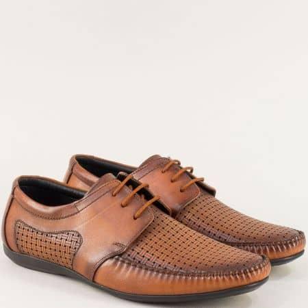 Кафяви мъжки обувки с кожена стелка и перфорация m2008k