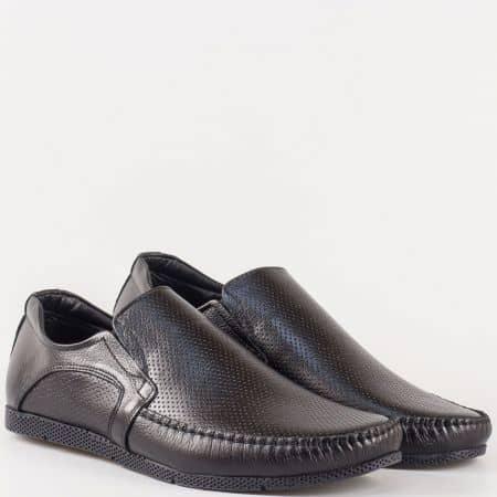 Мъжки ежедневни обувки, тип мокасина, изработени от 100% естествена кожа с перфорация в черен цвят m211dch