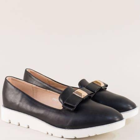 Дамски обувки в черен цвят на равно, бяло ходило m2300ch