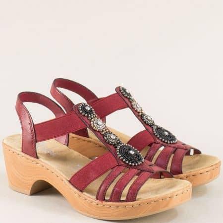Дамски сандали на среден ток и платформа в цвят бордо m288bd