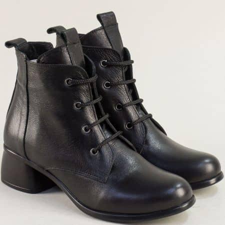 Класически дамски боти от естествена кожа в черно с връзки m3005ch