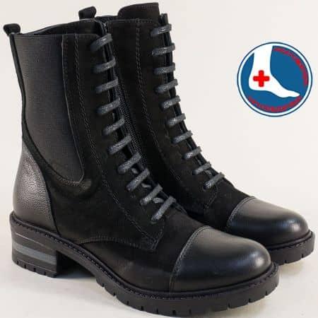 Черни дамски  боти в комбинация от естесвен велур и кожа на ататомично ходило m3304ch1