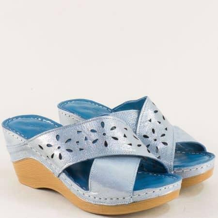 Дамски чехли с флорална перфорация в син цвят m340ss