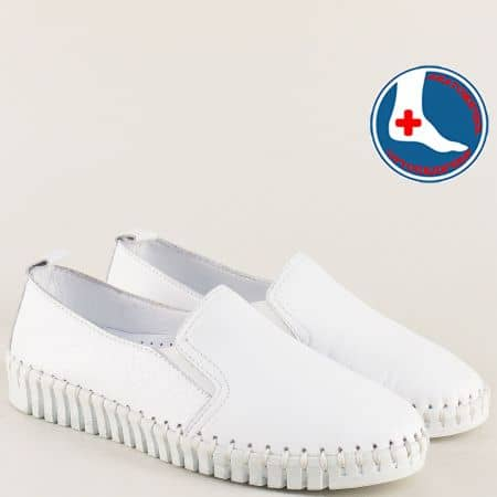 Бели дамски обувки от естествена кожа на шито ходило m372b