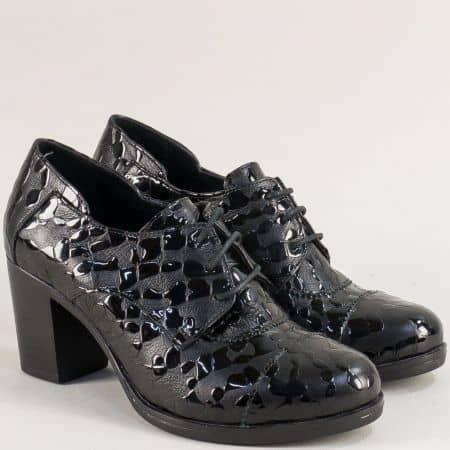 Черни дамски обувки с връзки от естествен лак и кожа  m4018lch