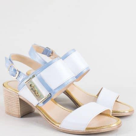 Дамски сандали от естествена кожа в синьо и бяло на среден ток m441bs1