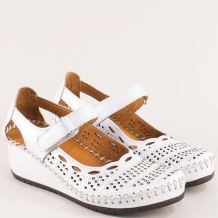 Дамски обувки от естествена кожа в бяло на клин ходило m460b