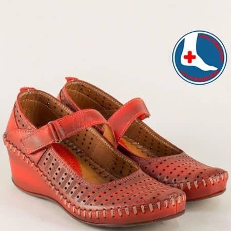 Шити дамски обувки на клин ходило в червен цвят m4703chv