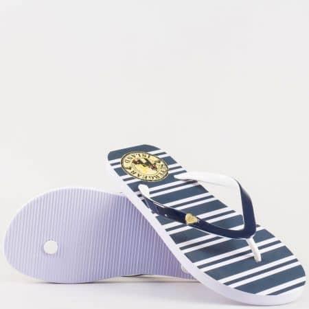Модерни дамски джапанки с лента между пръстите и моряшко райе в синьо и бяло- Athletic  m503s